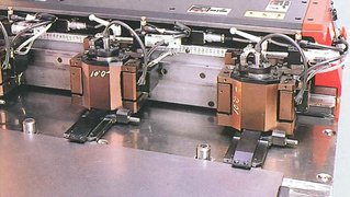 AMADA laser machine ALPHA II - automatic work positioning